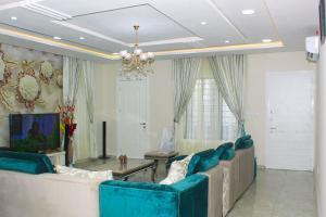 4 bedroom Shared Apartment for shortlet Keziah Terrace 11, 9 Orunbe Close, Off Orisasanya Street, Oniru Estate, Victoria Island, Lagos Lagos Island Lagos Island Lagos