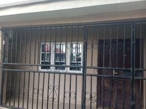 2 bedroom Flat / Apartment for rent Located behind premiere school Lugbe Abuja
