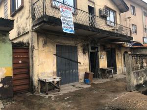 House for sale  Abimbola Shodipe by barracks bus stop, Ojuelegba. Ojuelegba Surulere Lagos