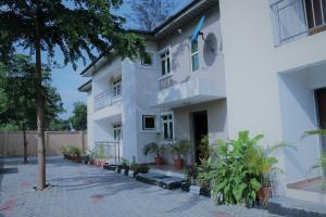 3 bedroom Flat / Apartment for shortlet Road 16 VGC Lekki Lagos