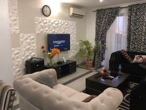 2 bedroom Flat / Apartment for shortlet T Y Danjuma Street. Dideolu Estate. Ligali Ayorinde Victoria Island Lagos
