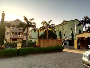 10 bedroom Hotel/Guest House Commercial Property for sale Zone 6 Wuse 2 Abuja