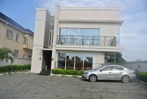 5 bedroom House for sale May Fair Gardens, Beside Tantalisers Fast Food Ajah Ibeju-Lekki Lagos