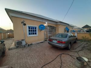 2 bedroom Semi Detached Bungalow House for sale VON/Trademoore axis, airport road  Lugbe Abuja