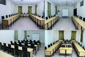 Meeting Room Co working space for shortlet 5, Dreamworld Africana Road, After Orchid Hotel, Eleganza Bus-stop,  Off Lekki-Epe Expressway Ajah Lagos