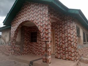 2 bedroom Blocks of Flats House for rent Poultry Eleha Elebu Area Akala Express Ibadan Oyo