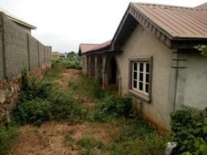 3 bedroom Blocks of Flats House for sale : close to kenny blocks olounde estate ologuneru ibadan  Ibadan Oyo