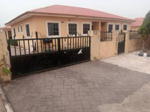 4 bedroom Terraced Bungalow House for sale Sunshine Garden Estate Airport Road Oba-Ile Akure Ondo