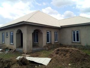 3 bedroom Detached Bungalow House for sale Akinjole Oluwo, New Ife road. Egbeda Oyo