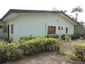 4 bedroom Detached Bungalow for sale Gra Estate Phase 2 Gbagada Lagos