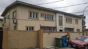 3 bedroom Flat / Apartment for rent Obanikoro Estate Obanikoro Shomolu Lagos