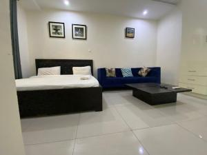 1 bedroom mini flat  Studio Apartment Flat / Apartment for shortlet Palmsprings Road, Ikate lekki Ikate Lekki Lagos
