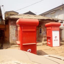 10 bedroom Detached Bungalow House for sale Off NNPC filling station,Idi-Oro, Mushin,Lagos. Mushin Mushin Lagos