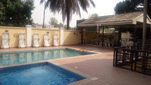 3 bedroom Massionette for rent Temple Rd Gerard road Ikoyi Lagos