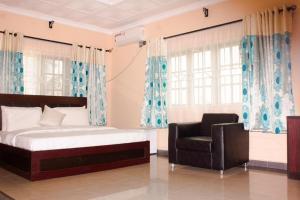 1 bedroom mini flat  Self Contain Flat / Apartment for shortlet Road 38 by Abraham Adesanya roundabout  Lekki Scheme 2 Ajah Lagos
