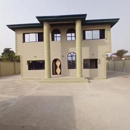 8 bedroom Detached Duplex House for rent On the Main Road Agodi Ibadan Oyo