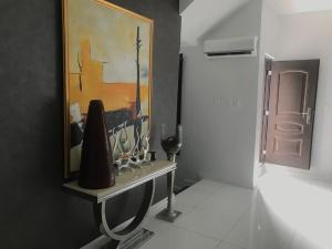 3 bedroom Terraced Duplex House for shortlet 2km away from lekki conservation center  Osapa london Lekki Lagos