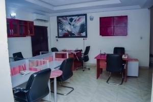 6 bedroom Detached Duplex House for shortlet Lekki Phase 1 Lekki Lagos