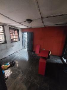 1 bedroom Mini flat for rent Ogunlana Surulere Lagos