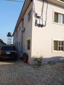 3 bedroom Flat / Apartment for rent oluwadare street Fola Agoro Yaba Lagos