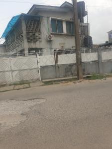 House for sale Off Ogunlana Surulere Lagos
