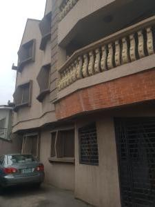 3 bedroom Self Contain for rent Olatunde Street By Adelabu Census Junction Axis Surulere Lagos